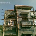 Batu alam susun sirih dipasang pada tampak depan rumah minimalis purwokerto